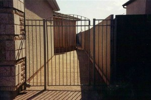 Gate (7)